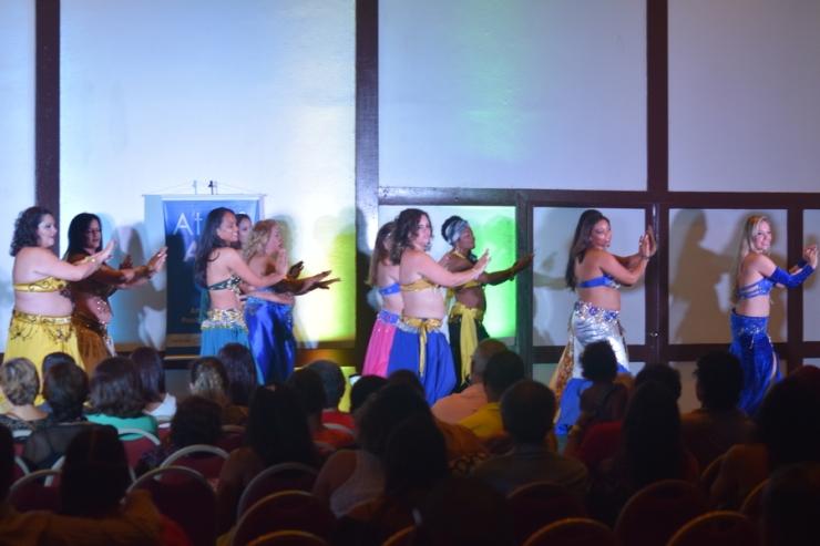 beth-soares-alunas- atelie-art-cult-apresentacao-tabla-dance-yoga-festival-2017